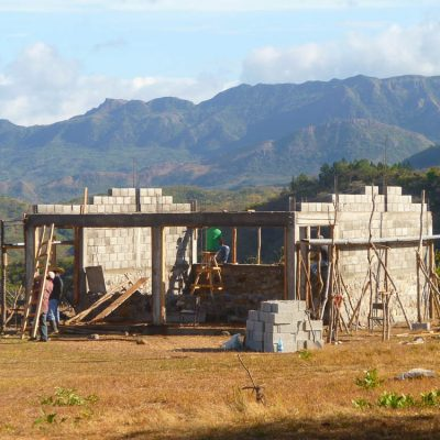 Die Schule im Dorf Ciruelar Arriba