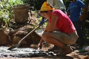 Freiwillige Viktoria bei der Arbeit